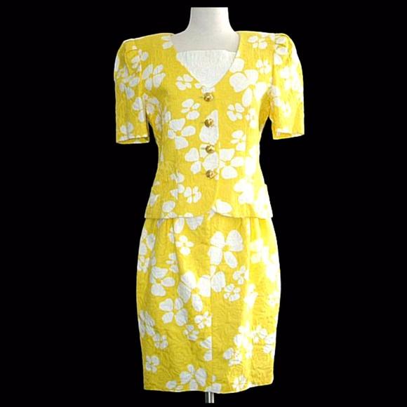 Escada Dresses & Skirts - VTG. ESCADA 2 PC YELLOW FLORAL DRESS ENSEMBLE - M